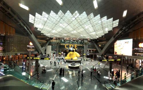 """مطار """"حمد الدولي"""" يقترب من لقب الأفضل عالمياً والسفر ببصمة الوجه"""