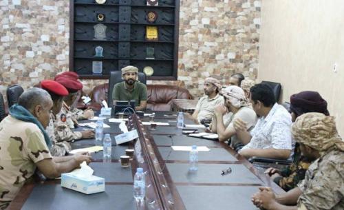 قيادات عسكرية تصل إلى تفاهمات لتجنب الاحتكاكات بين القوات الأمنية والعسكرية في عدن