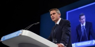 بريطانيا: تعيين أصغر وزير للدفاع