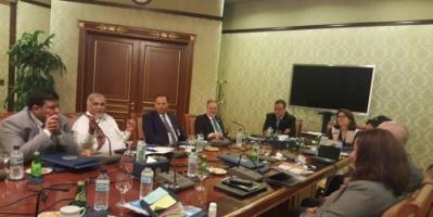 حكومة هادي ترفض مبادرة بريطانيا لإحياء العملية السياسية في البلاد