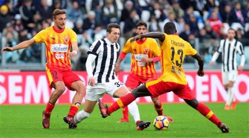 الدوري الإيطالي: يوفنتوس يستغل تعثر نابولي ويقلص الفارق