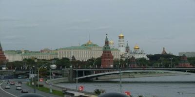 """موسكو تتعهد بالرد على الضغوط التي تتعرض لها قناة """"روسيا اليوم"""""""