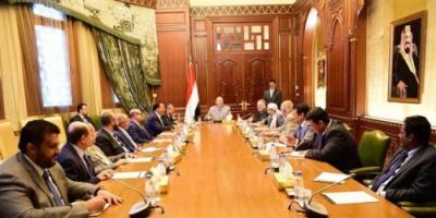 هادي: السعودية خصصت مبالغ مالية لإعادة إعمار اليمن