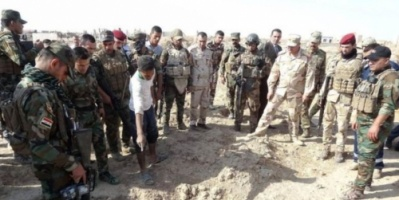 """العراق : العثور على مقابر جماعية """"تحوي مئات الجثث"""" بالحويجة"""