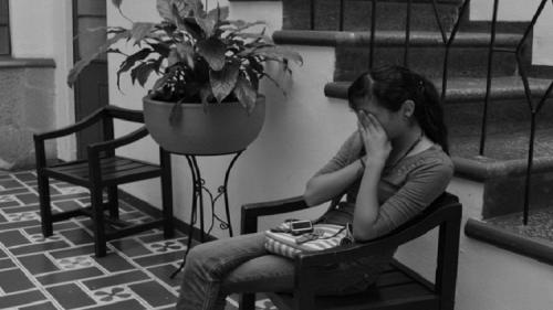 علماء النفس يكتشفون أسباب زيادة الاكتئاب لدى المراهقين