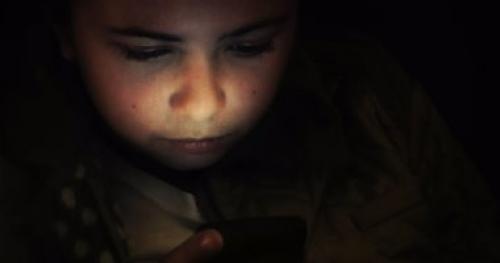 دراسة: مواقع التواصل ترفع معدلات الاكتئاب والانتحار بين المراهقين