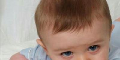 تدخين الأم خلال الحمل يسبب تلف شبكية عين طفلها