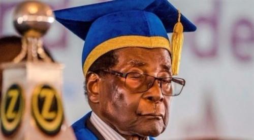 زيمبابوي: الحزب الحاكم يطالب باستقالة موغابي من زعامته