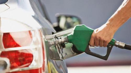 تعرف على أسعار البنزين والديزل المتوقعة في السعودية بعد فرض ضريبة القيمة المضافة