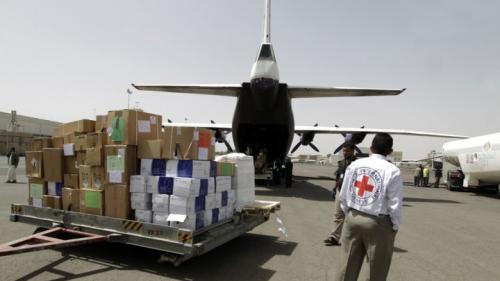 مطار صنعاء يستأنف نشاطه باستقبال رحلتين إغاثيتين وأخريات في الطريق
