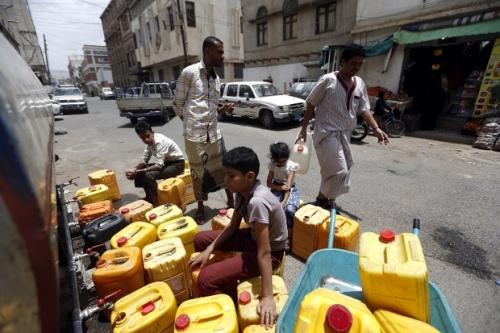 تحذيرات دولية من التبعات الكارثية لأزمة المياه النظيفة في اليمن