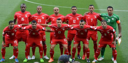 احتفاء فلسطيني بتقدم منتخب فلسطين لكرة القدم على نظيره الإسرائيلي في تصنيف الفيفا