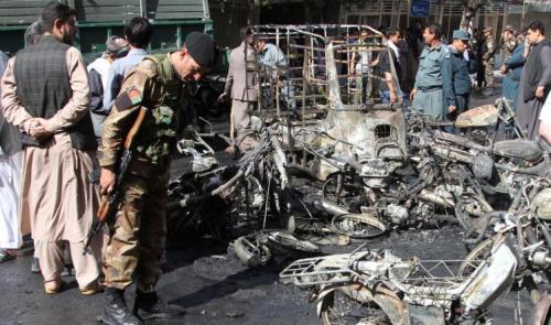 8 قتلى و 17 جريحاً إثر تفجير انتحاري بأفغانستان