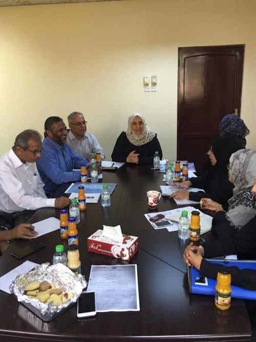 وزارة الشؤون الإجتماعية تناقش برامج عمل الوزارة ومكاتبها في اجتماع بعدن