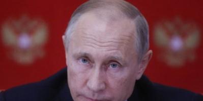 الرئيس الروسي يوقع قانونا يقيد عمل وسائل الإعلام الأجنبية في روسيا