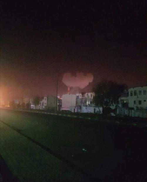 استهداف مبنى وزارة المالية بعدن بتفجير سيارة مفخخة