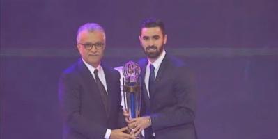 السوري عمر خربين يتوج بجائزة أفضل لاعب آسيوي