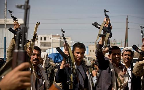 تقرير دولي يميط اللثام عن مصادر تمويل الحوثيين وصالح فى اليمن