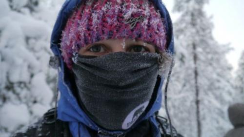 """مرضى الربو: تغطية الأنف والفم بوشاح في الشتاء """"يقي من الأزمات"""""""