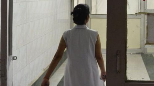 فصل طبيبين في الهند أعلنا وفاة رضيع على قيد الحياة