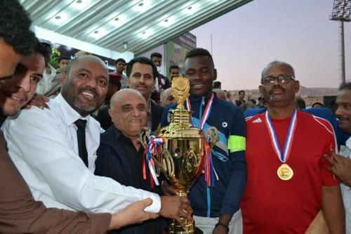 ناشئو ساحل حضرموت يتوجون بذهبية لعبة كرة القدم في ختام الدورة الوطنية الأولى للناشئين
