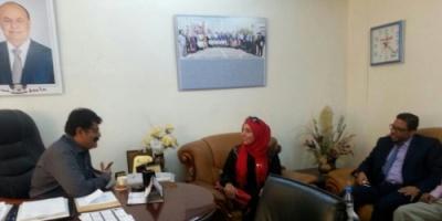 لقاء بعدن يجمع عميدي كليتي الآداب في عدن وتعز لمناقشة تفعيل العمل الأكاديمي والبحثي بين الجامعتين