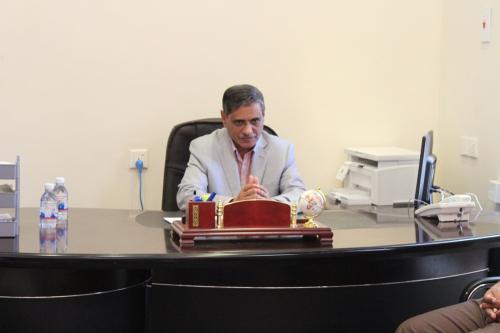 المحافظ البحسني يترأس اجتماعا للجنة الموارد ويشدد على ضرورة تحسين نشاطها