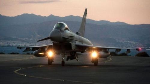 """قطر توقع اتفاقا لشراء 24 مقاتلة """"تايفون"""" من بريطانيا"""