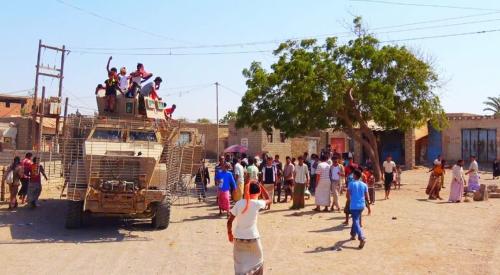 افراح عارمة في الخوخة بعد تحريرها وانتشار افراد المقاومة الجنوبية لتأمينها ( صورة )