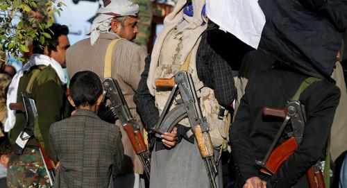 فرانس 24 : صالح يوارى الثرى قرب صنعاء وسط إجراءات أمنية مشددة وأسرته تنفي