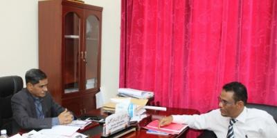 محافظ حضرموت يطلع على نشاط مكتب الخدمة المدنية بوادي حضرموت