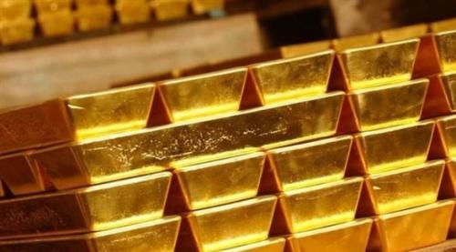 الذهب يهبط إلى أدنى مستوى في 5 أشهر