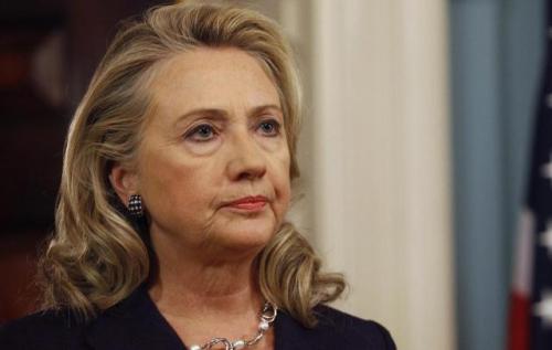 """نيويورك تايمز: مسؤولون في """"إف بي أي"""" قالوا """"يجب أن تفوز"""" كلينتون بالرئاسة"""