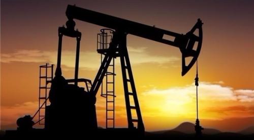 النفط يرتفع بعد تراجع المخزونات الأمريكية