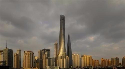 الصين تفتتح ثاني أعلى مبنى في العالم