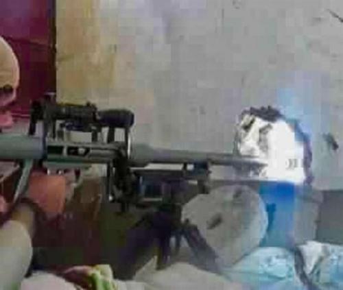"""""""قناص صنعاء"""" المجهول يبث الرعب في صفوف ميليشيات الحوثي بعد قضائه على 3 قياديين بارزين"""