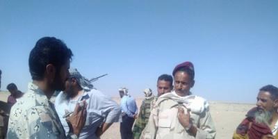لحج : قائد الحزام الأمني يتسلم النقاط العسكرية ويتفقد منافذ طور الباحة