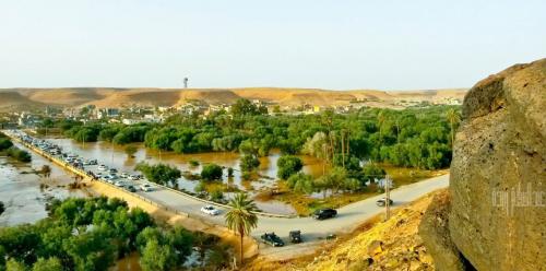 """بلدة ليبية على طرف الصحراء تقدم """"بيتًا آمنًا"""" للمهاجرين ومقبرة"""