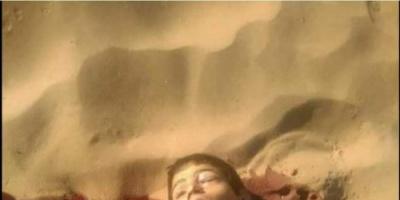 تحت التهديد والاكراه ..  ميليشيا الحوثي تجبر الأهالي على إرسال أبنائهم  الى جبهات القتال «فيديو»