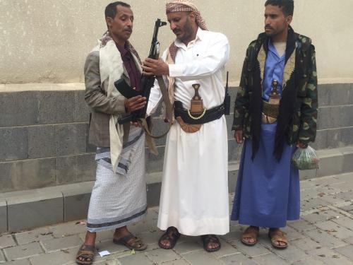 العميد طارق صالح في تسجيل مصوّر: لولا أنانية الحوثيين لقدت معركة دخول عدن بنفسي