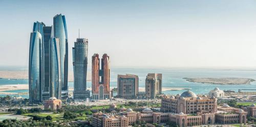 """""""النقد الدولي"""" يتوقع نمو الاقتصاد الإماراتي 3.4 % في 2018"""