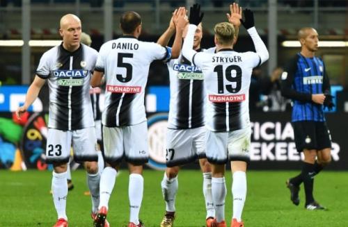 اودينيزي يلحق الخسارة الأولى بانتر ميلان في الدوري الإيطالي