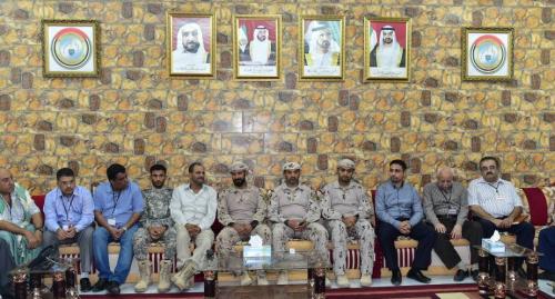 قيادة التحالف العربي بعدن تلتقي بنخبة من المفكرين والمثقفين والنشطاء من أبناء عدن