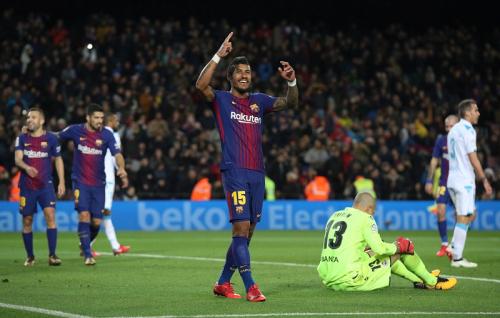 برشلونة يعزز صدارته قبل الكلاسيكو بفوز ساحق على ديبورتيفو