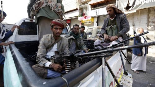 صحيفة : الحوثيون يخفون 100 خبيرأسلحة إيراني في منازل مواطنين بصعدة