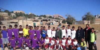 """ثانوية """"العبادي"""" تمطر مرمى """"الشهيدين""""  بـ 11 هدفا نظيفاً في دوري الشهداء بالشعيب"""