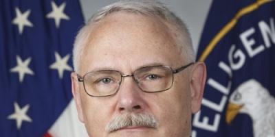 """( حصري ) مسؤول سابق في """"سي آي أيه"""" يشيد بدورالوحدات الجنوبية في مكافحة الإرهاب"""