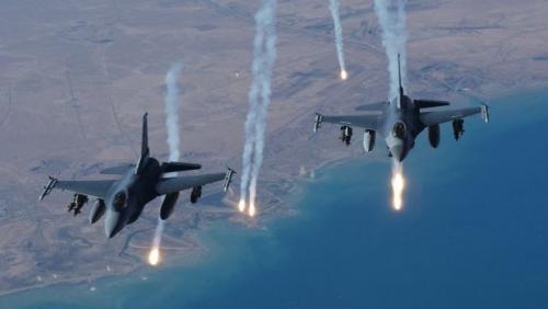 مراقبون يمنيون : الحوثيون يخلون مواقعهم قبل قصف الطيران ! ماذا يحدث؟ «حصري»