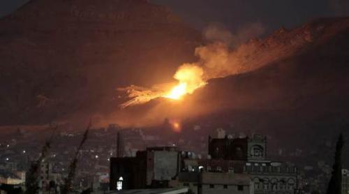 غارات جوية للتحالف تستهدف معسكر السواد جنوب  صنعاء وجبل المرحة والمجمع الحكومي في عمران
