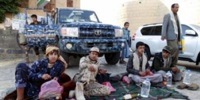 """الحوثيون يقيلون مسؤولا من """"المؤتمر"""" لينهبوا أموال الزكاة"""